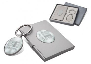 Suport pentru carti de vizita din metal, cu breloc si cutie-cadou, personalizat